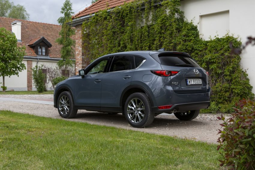 2020 Mazda CX-5 in Europe – new Polymetal Grey, cylinder deactivation, improved refinement and safety Image #1137638