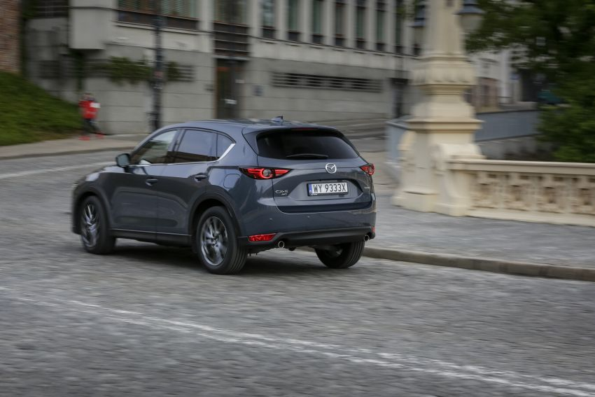 2020 Mazda CX-5 in Europe – new Polymetal Grey, cylinder deactivation, improved refinement and safety Image #1137613