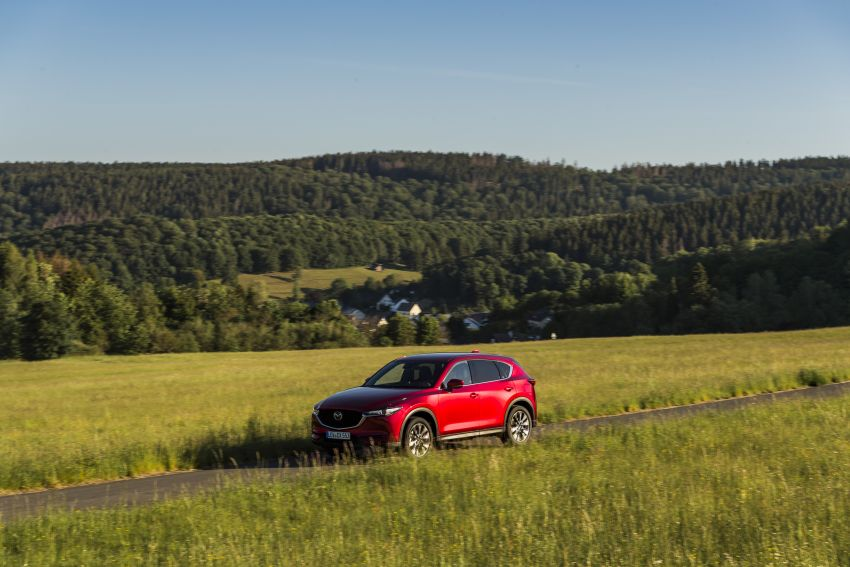 2020 Mazda CX-5 in Europe – new Polymetal Grey, cylinder deactivation, improved refinement and safety Image #1137399