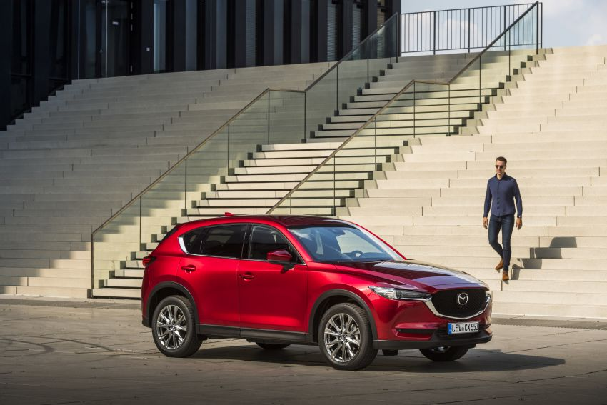 2020 Mazda CX-5 in Europe – new Polymetal Grey, cylinder deactivation, improved refinement and safety Image #1137404