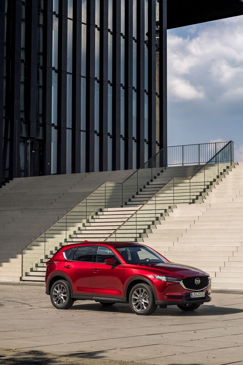 2020 Mazda CX-5 in Europe – new Polymetal Grey, cylinder deactivation, improved refinement and safety Image #1137405