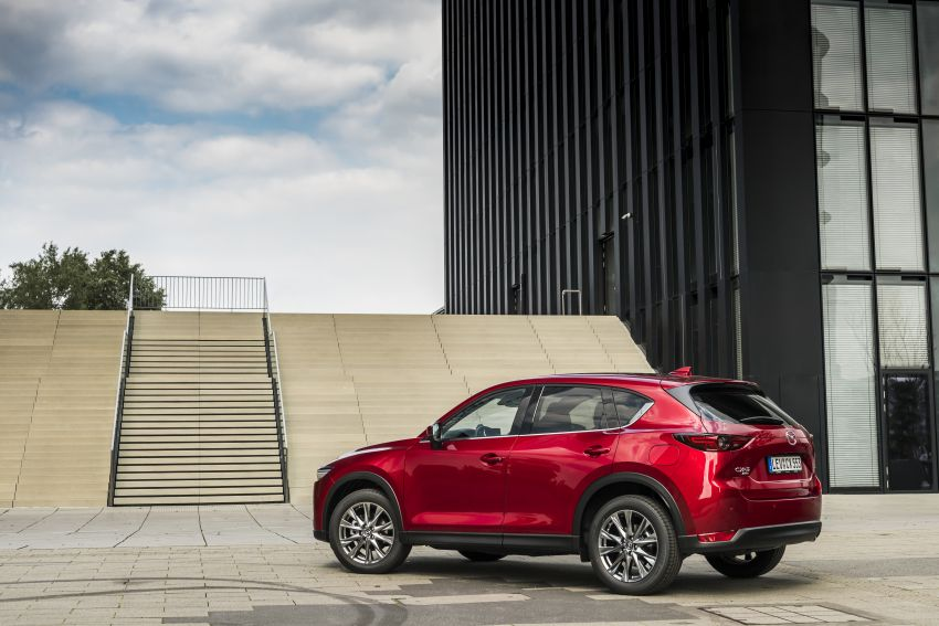 2020 Mazda CX-5 in Europe – new Polymetal Grey, cylinder deactivation, improved refinement and safety Image #1137406