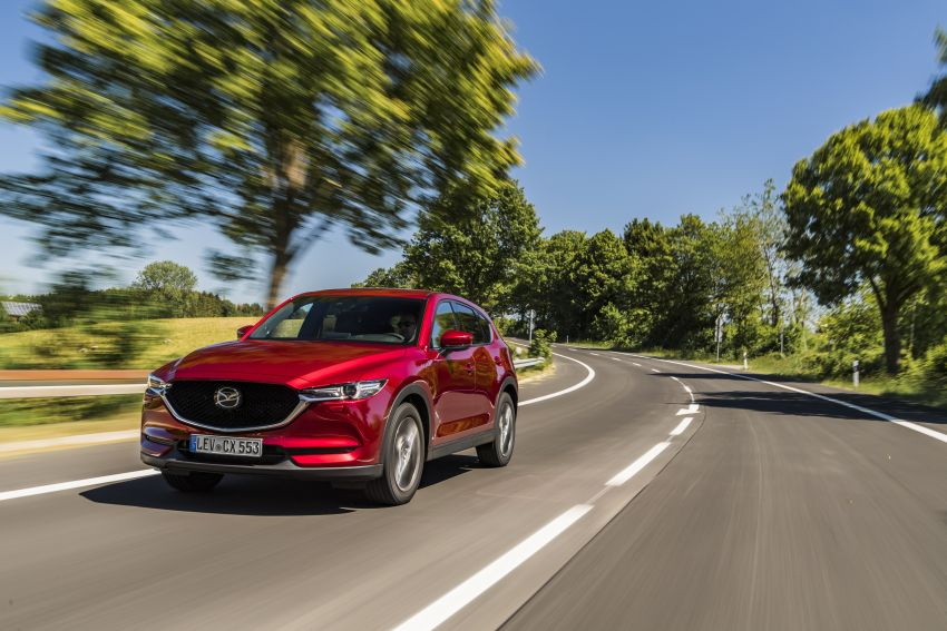 2020 Mazda CX-5 in Europe – new Polymetal Grey, cylinder deactivation, improved refinement and safety Image #1137387