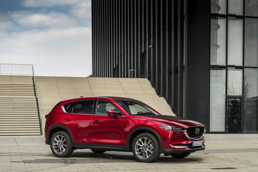 2020 Mazda CX-5 in Europe – new Polymetal Grey, cylinder deactivation, improved refinement and safety Image #1137407
