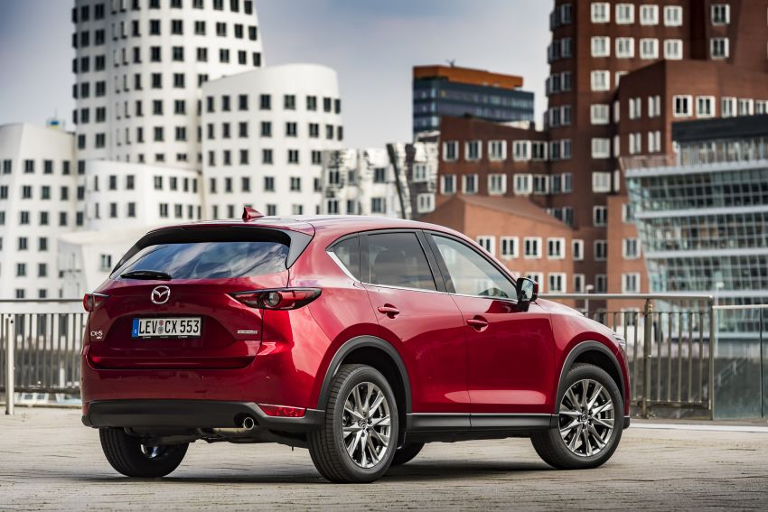 2020 Mazda CX-5 in Europe – new Polymetal Grey, cylinder deactivation, improved refinement and safety Image #1137410