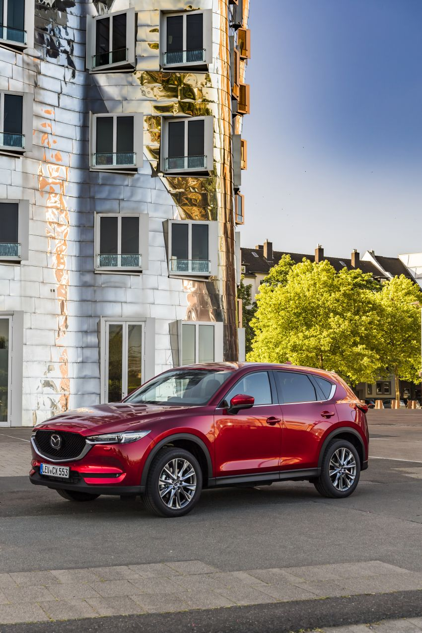 2020 Mazda CX-5 in Europe – new Polymetal Grey, cylinder deactivation, improved refinement and safety Image #1137415