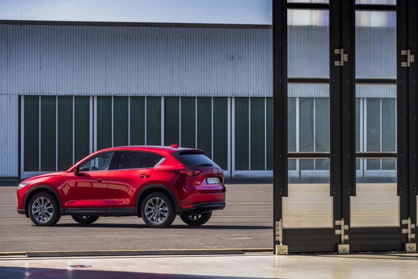2020 Mazda CX-5 in Europe – new Polymetal Grey, cylinder deactivation, improved refinement and safety Image #1137417