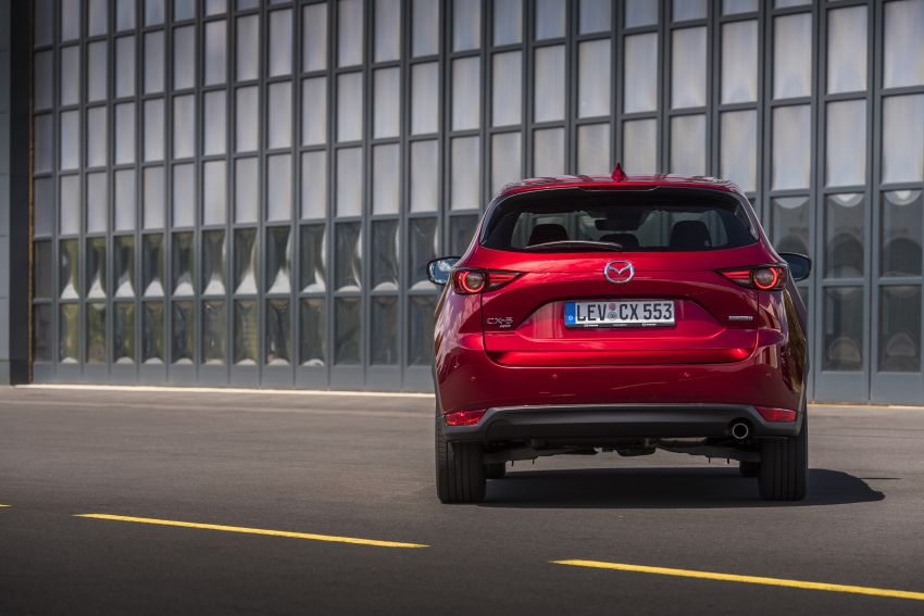 2020 Mazda CX-5 in Europe – new Polymetal Grey, cylinder deactivation, improved refinement and safety Image #1137425