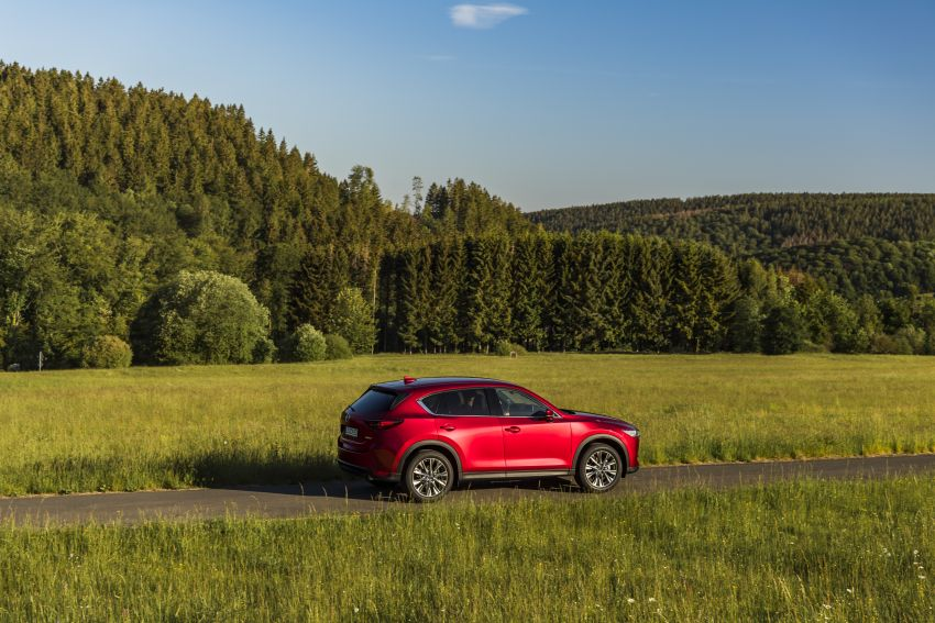2020 Mazda CX-5 in Europe – new Polymetal Grey, cylinder deactivation, improved refinement and safety Image #1137427