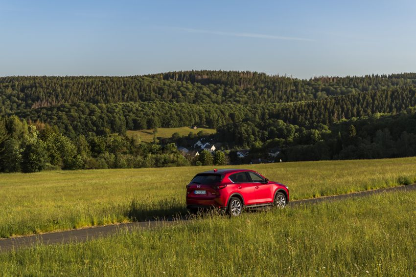 2020 Mazda CX-5 in Europe – new Polymetal Grey, cylinder deactivation, improved refinement and safety Image #1137429