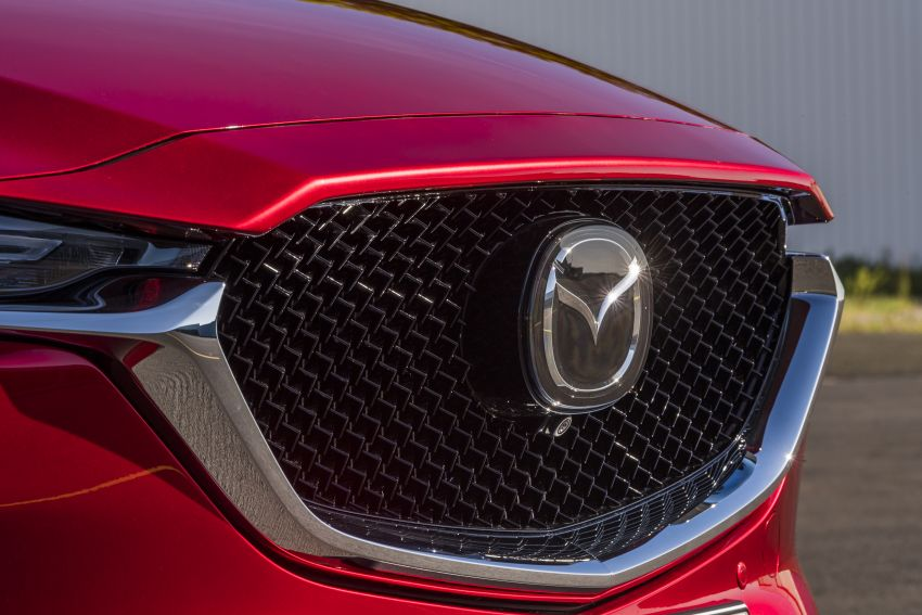 2020 Mazda CX-5 in Europe – new Polymetal Grey, cylinder deactivation, improved refinement and safety Image #1137436