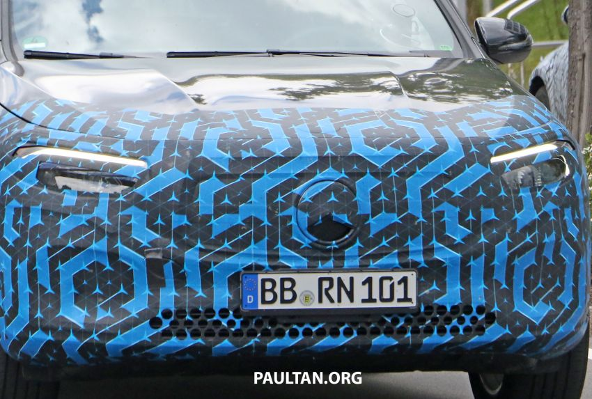 SPIED: Mercedes-Benz EQA testing with less disguise Image #1129526