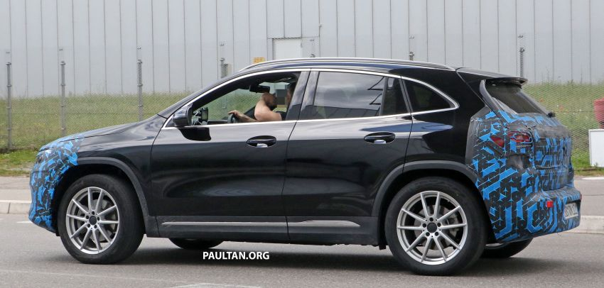 SPIED: Mercedes-Benz EQA testing with less disguise Image #1129531