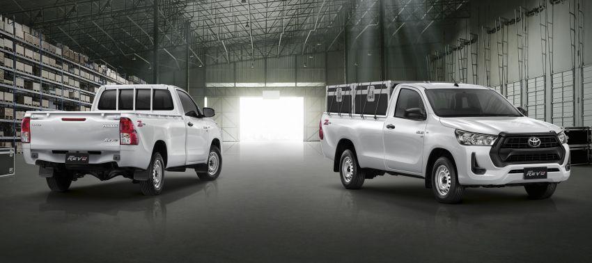 Toyota Hilux facelift didedahkan – rupa lebih garang, model 2.8L turbodiesel terima kuasa 204 hp/500 Nm Image #1127587