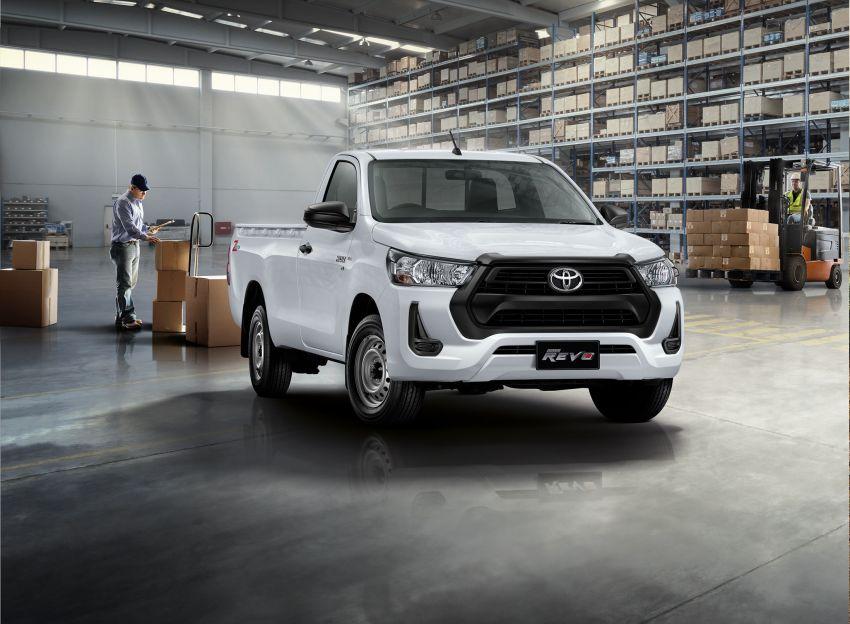 Toyota Hilux facelift didedahkan – rupa lebih garang, model 2.8L turbodiesel terima kuasa 204 hp/500 Nm Image #1127588