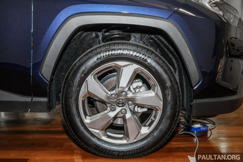 2020 Toyota RAV4 SUV launched in Malaysia – CBU Japan, 2.0L CVT RM196,500, 2.5L 8AT RM215,700 Image #1132018