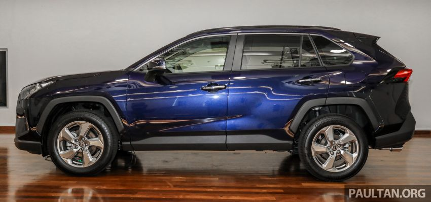 2020 Toyota RAV4 SUV launched in Malaysia – CBU Japan, 2.0L CVT RM196,500, 2.5L 8AT RM215,700 Image #1132004