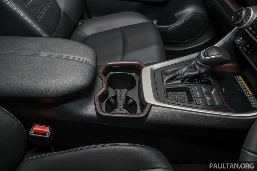 2020 Toyota RAV4 SUV launched in Malaysia – CBU Japan, 2.0L CVT RM196,500, 2.5L 8AT RM215,700 Image #1132050
