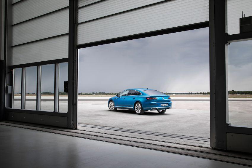 2020 Volkswagen Arteon facelift debuts – new PHEV and 320 PS R variants, Shooting Brake model added Image #1134990