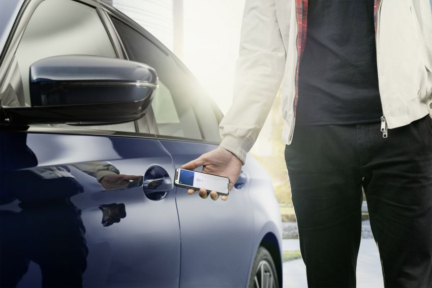 BMW to be the first carmaker to support Apple's new CarKey feature – use your iPhone as a digital car key Image #1134168