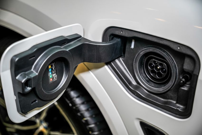 2020 BMW X5 xDrive45e PHEV launched – 3.0L turbo, 394 PS, 77 km electric range, RM441k without SST Image #1132111