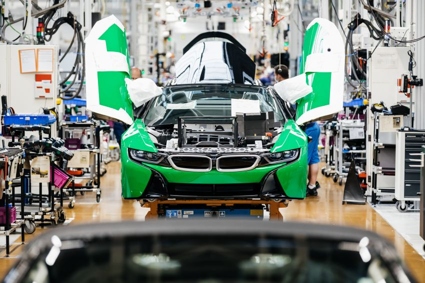 BMW i8 production ends with 18 special coloured cars Image #1137134