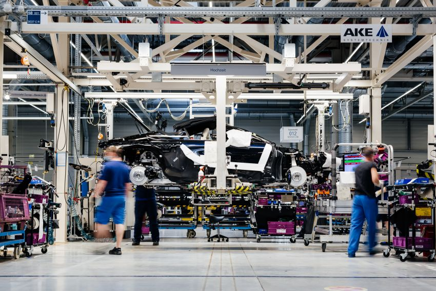 BMW i8 production ends with 18 special coloured cars Image #1137138
