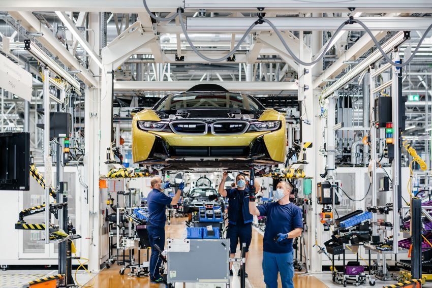 BMW i8 production ends with 18 special coloured cars Image #1137139