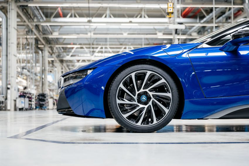 BMW i8 production ends with 18 special coloured cars Image #1137144