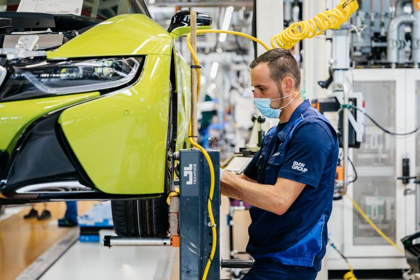 BMW i8 production ends with 18 special coloured cars Image #1137146