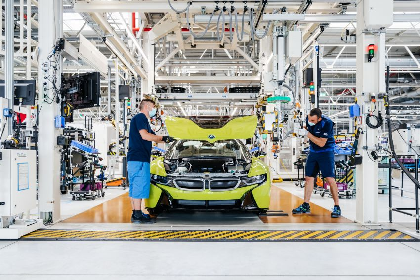 BMW i8 production ends with 18 special coloured cars Image #1137147