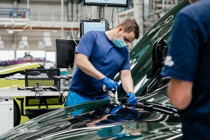 BMW i8 production ends with 18 special coloured cars Image #1137151