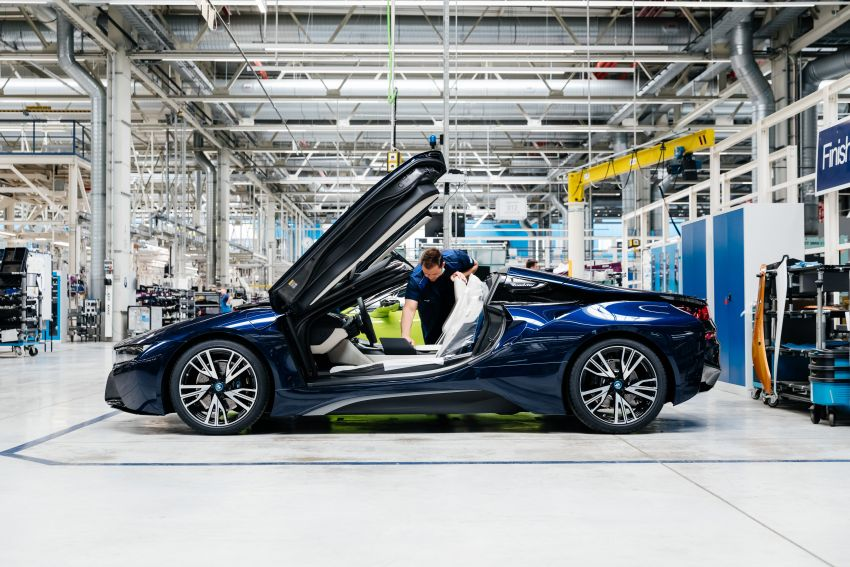 BMW i8 production ends with 18 special coloured cars Image #1137156