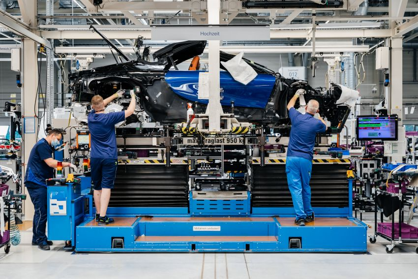 BMW i8 production ends with 18 special coloured cars Image #1137157