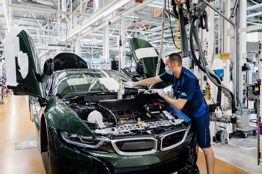 BMW i8 production ends with 18 special coloured cars Image #1137161