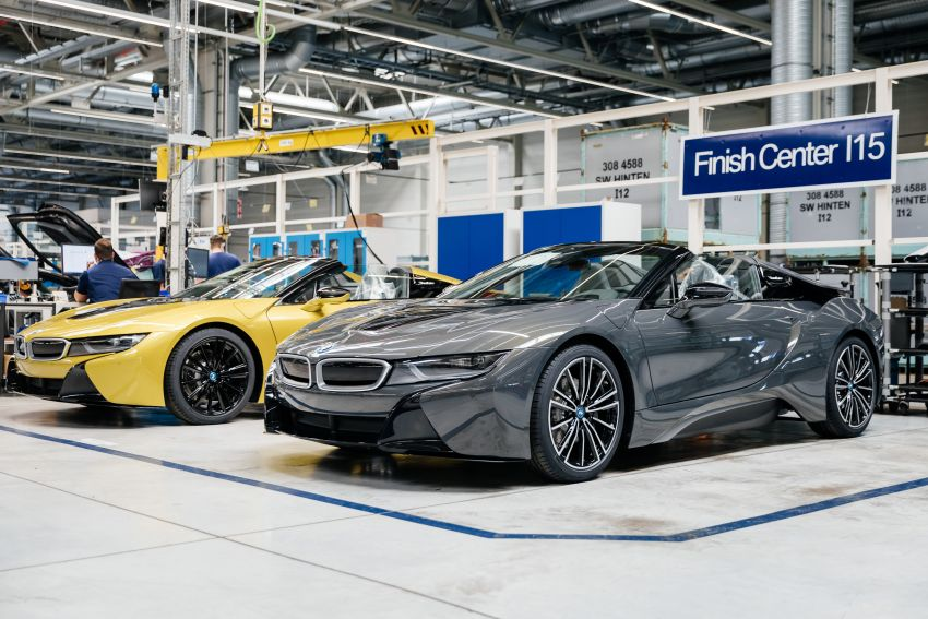 BMW i8 production ends with 18 special coloured cars Image #1137163