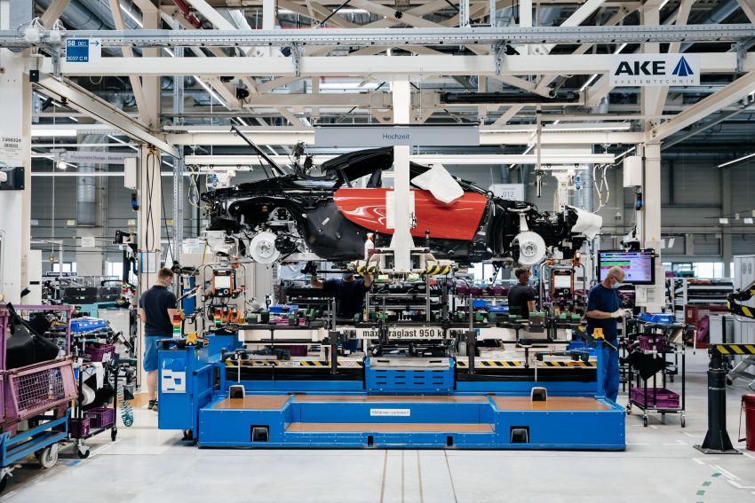 BMW i8 production ends with 18 special coloured cars Image #1137164