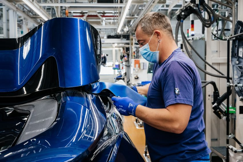 BMW i8 production ends with 18 special coloured cars Image #1137165