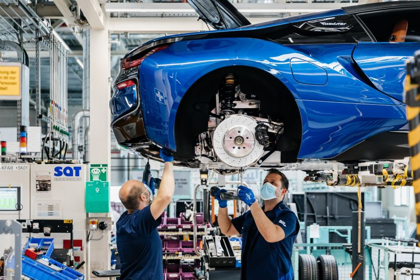 BMW i8 production ends with 18 special coloured cars Image #1137167