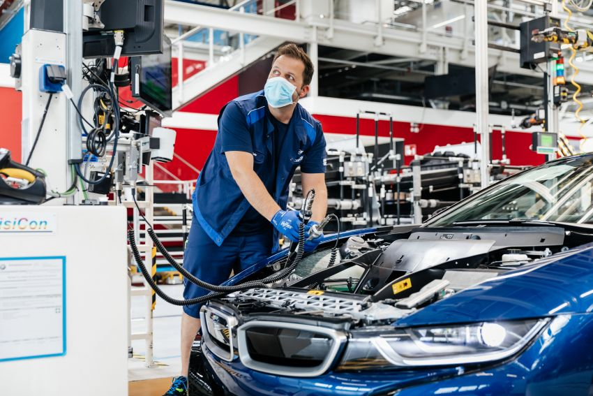 BMW i8 production ends with 18 special coloured cars Image #1137168