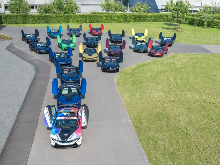 BMW i8 production ends with 18 special coloured cars Image #1137126