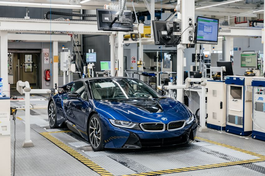 BMW i8 production ends with 18 special coloured cars Image #1137176