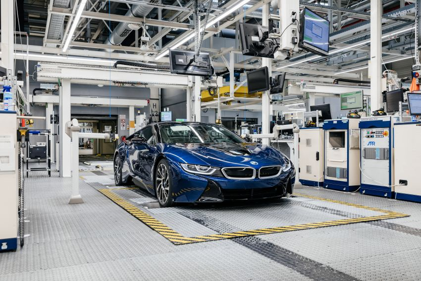 BMW i8 production ends with 18 special coloured cars Image #1137177
