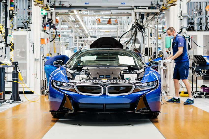 BMW i8 production ends with 18 special coloured cars Image #1137181