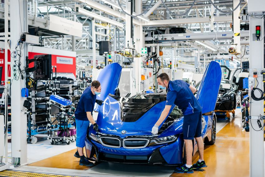 BMW i8 production ends with 18 special coloured cars Image #1137183