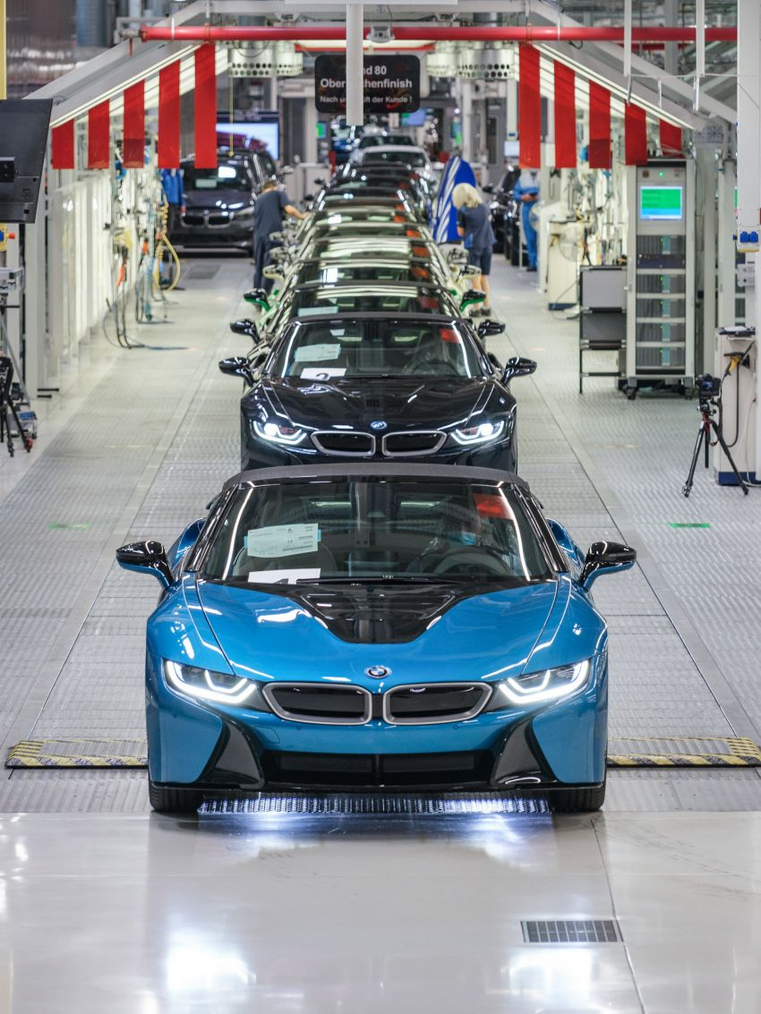BMW i8 production ends with 18 special coloured cars Image #1137189