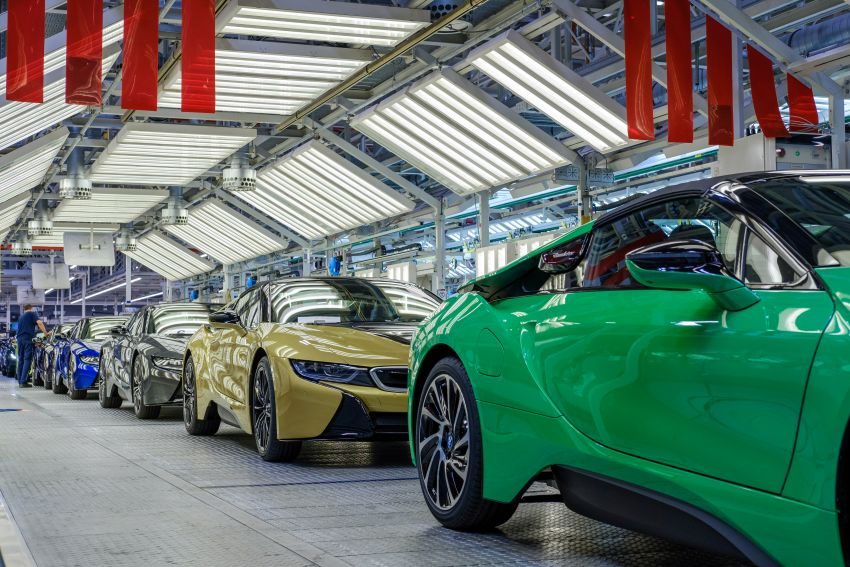 BMW i8 production ends with 18 special coloured cars Image #1137190