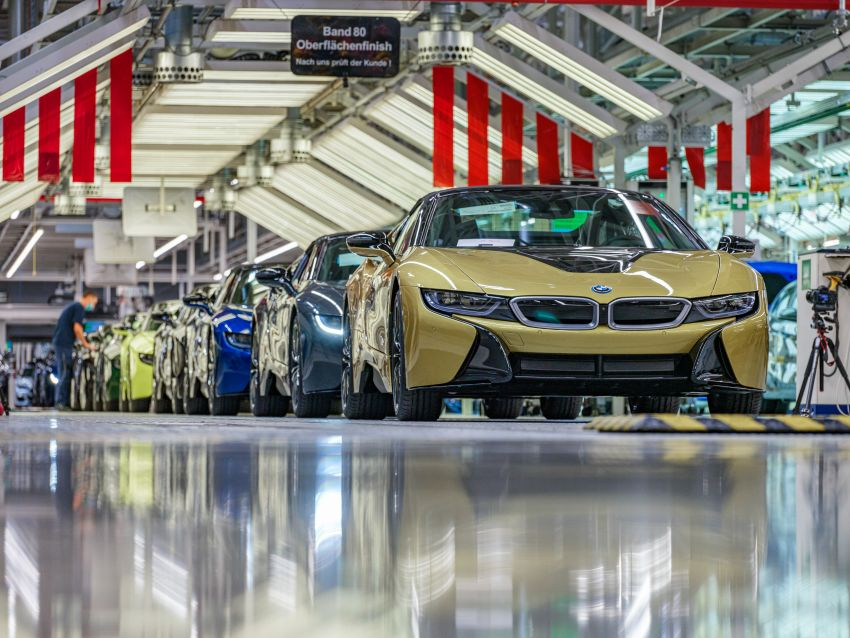 BMW i8 production ends with 18 special coloured cars Image #1137193