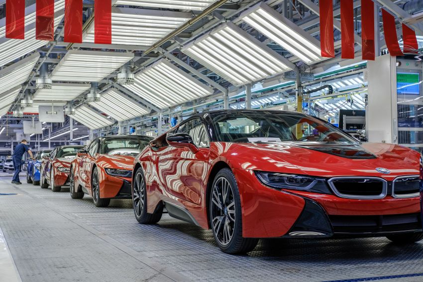 BMW i8 production ends with 18 special coloured cars Image #1137195