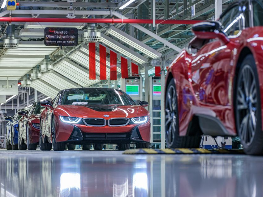 BMW i8 production ends with 18 special coloured cars Image #1137199